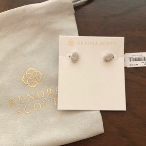 Kendra Scott Cade Silver Stud Earrings White Pearl